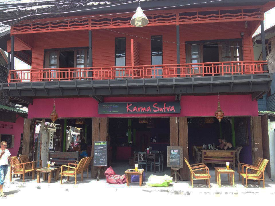 photo 10 English mansion for rent in Koh Samui thailand French bar and restaurant Thai Karma Sutra 1500